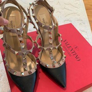 Valentino RockStud Black & Gold heels